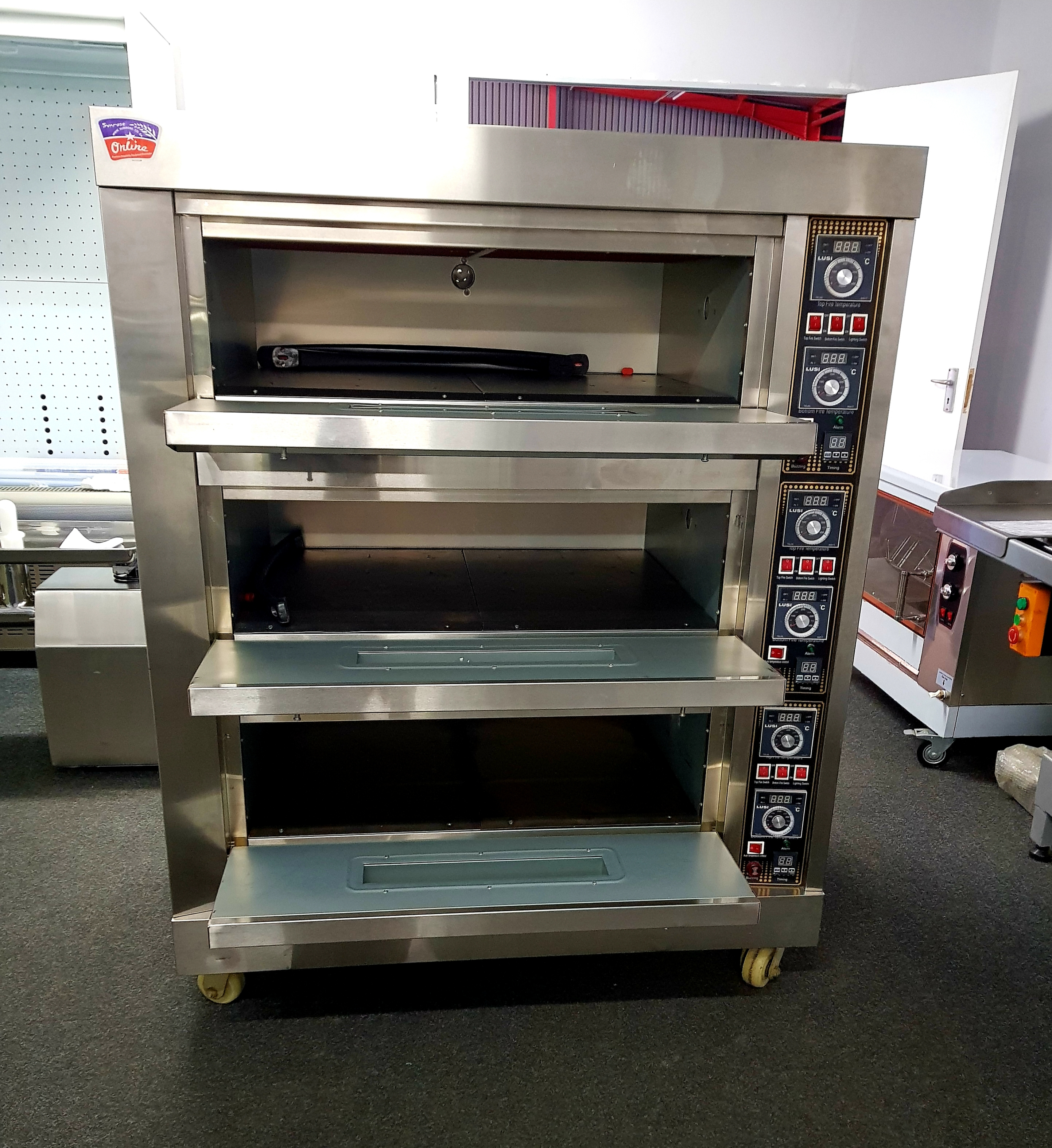 Industrial Kitchen Ovens For Sale: BAKING OVEN FOR SALE